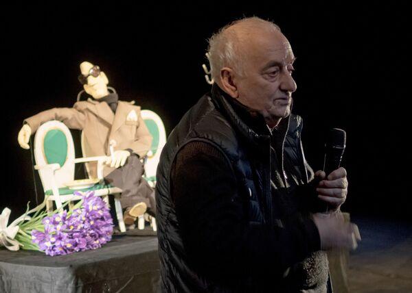 Со своими спектаклями Резо Леванович объездил весь мир и в каждой стране оставлял частичку себя, частичку вечного света - Sputnik Грузия