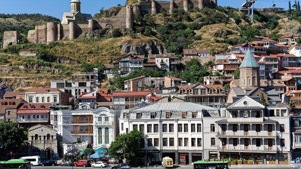 Вид на город Тбилиси - старый город, крепость Нарикала и Калаубани, церкви армянская и грузинская - Sputnik Грузия