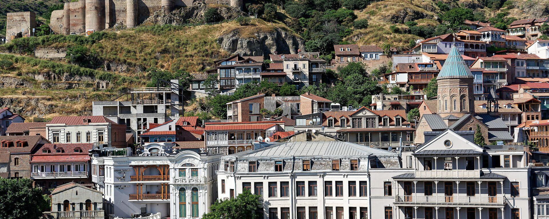 Вид на город Тбилиси - старый город, крепость Нарикала и Калаубани, церкви армянская и грузинская - Sputnik Грузия, 1920, 19.09.2021