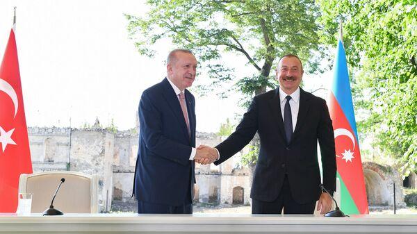 Визит президента Турции Р. Эрдогана вАзербайджан - Sputnik Грузия