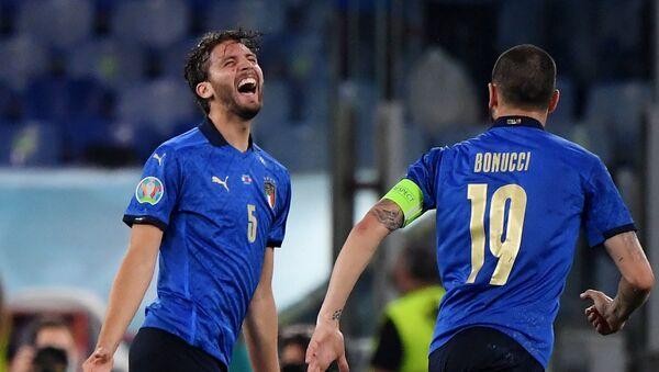 Матч сборных Италии и Швейцарии  в рамках Чемпионата Европы 2020 - Sputnik Грузия