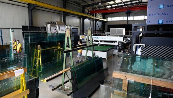 Предприятие по производству стекла и пластика - Sputnik Грузия