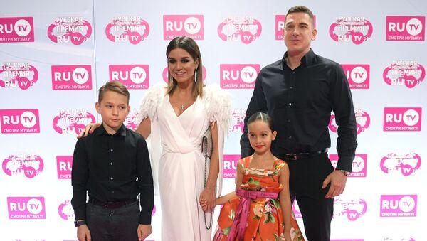 Ксения Бородина с семьей  - Sputnik Грузия