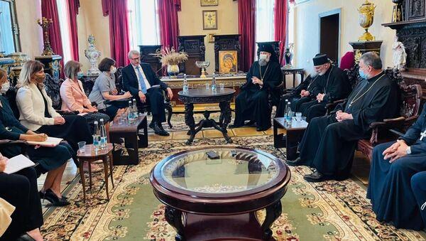 Встреча по пансиону Ниноцминда в Патриархии Грузии - Sputnik Грузия