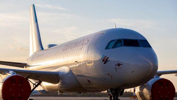 Самолет немецкой авиакомпания Eurowings  - Sputnik Грузия