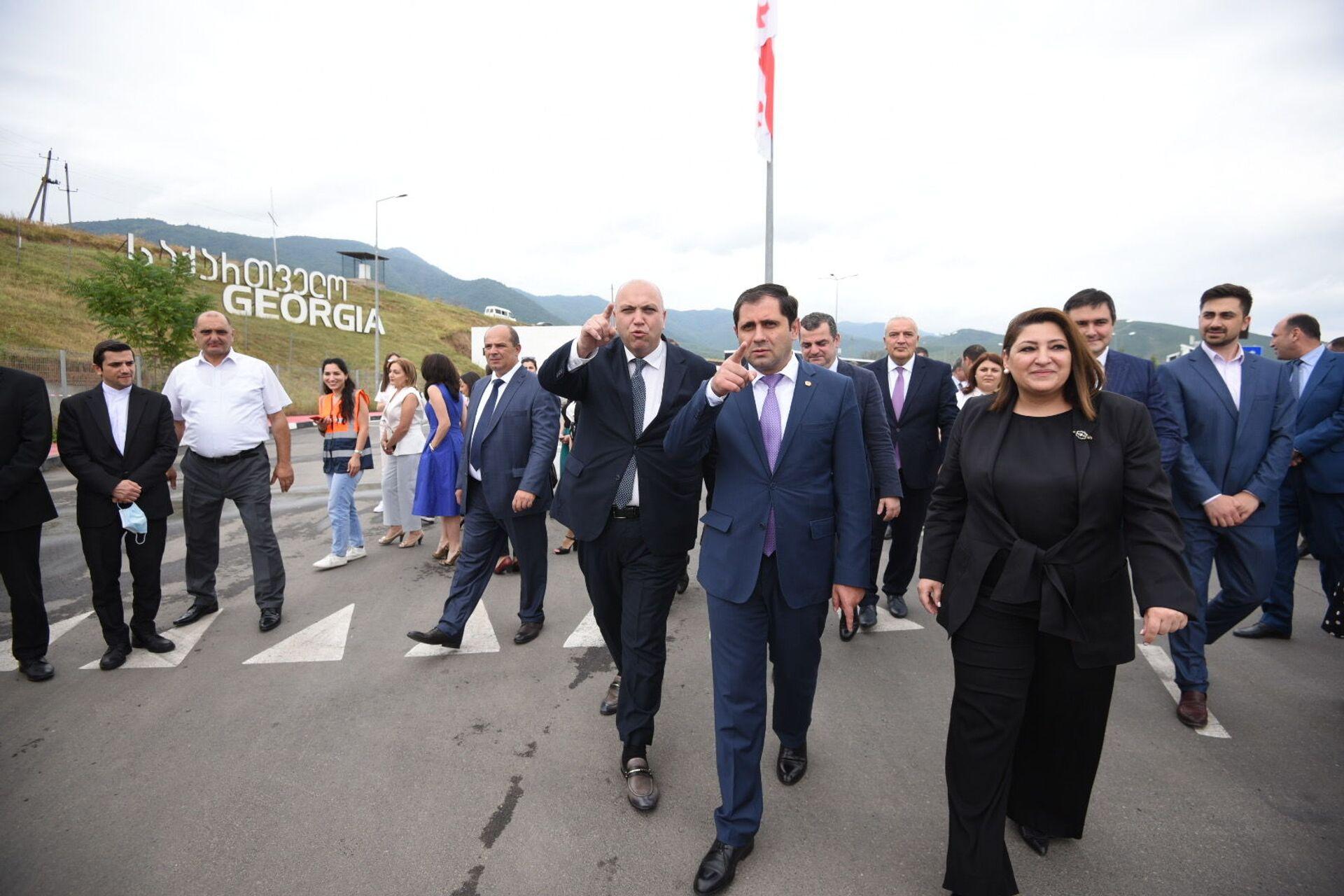 Церемония закладки нового автомобильного моста на границе между Арменией и Грузией - Sputnik საქართველო, 1920, 24.08.2021