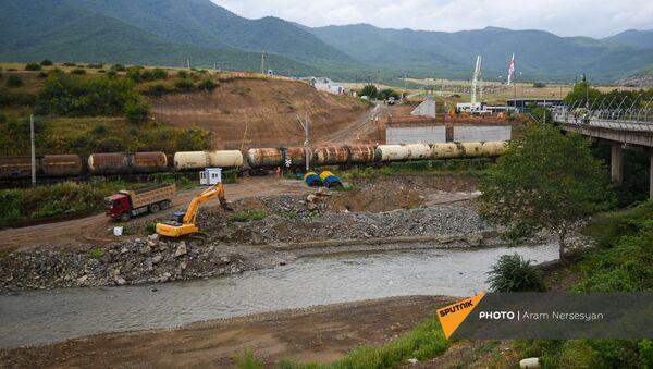 Церемония закладки нового пограничного автомобильного моста между Арменией и Грузией (9 июля 2021). Баграташен - Sputnik Грузия