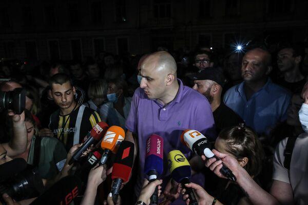 Там же на акции у здания правительственной администрации находился лидер Единого нацдвижения Ника Мелия  - Sputnik Грузия