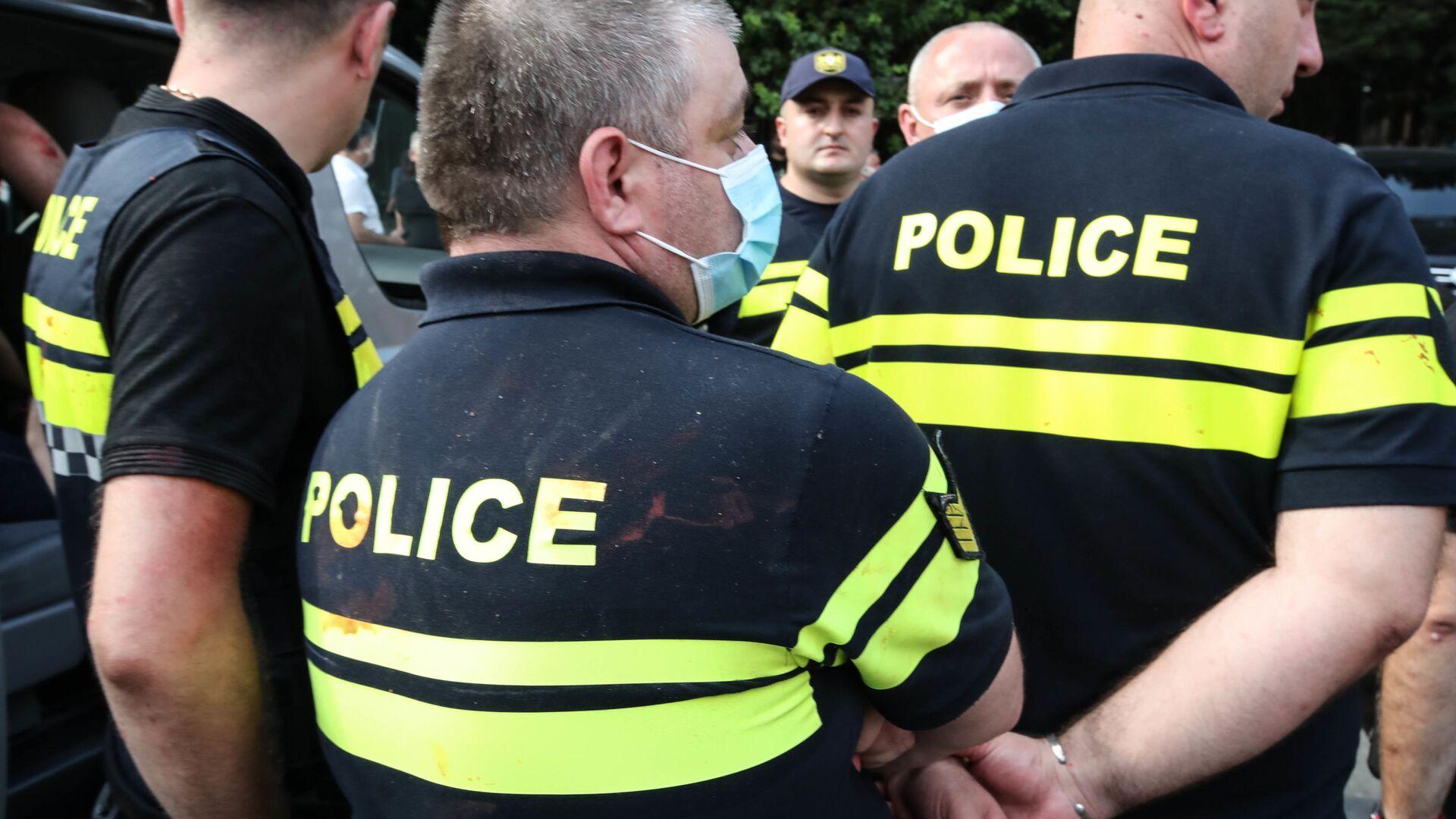Патрульная полиция на акции протеста - Sputnik Грузия, 1920, 01.10.2021