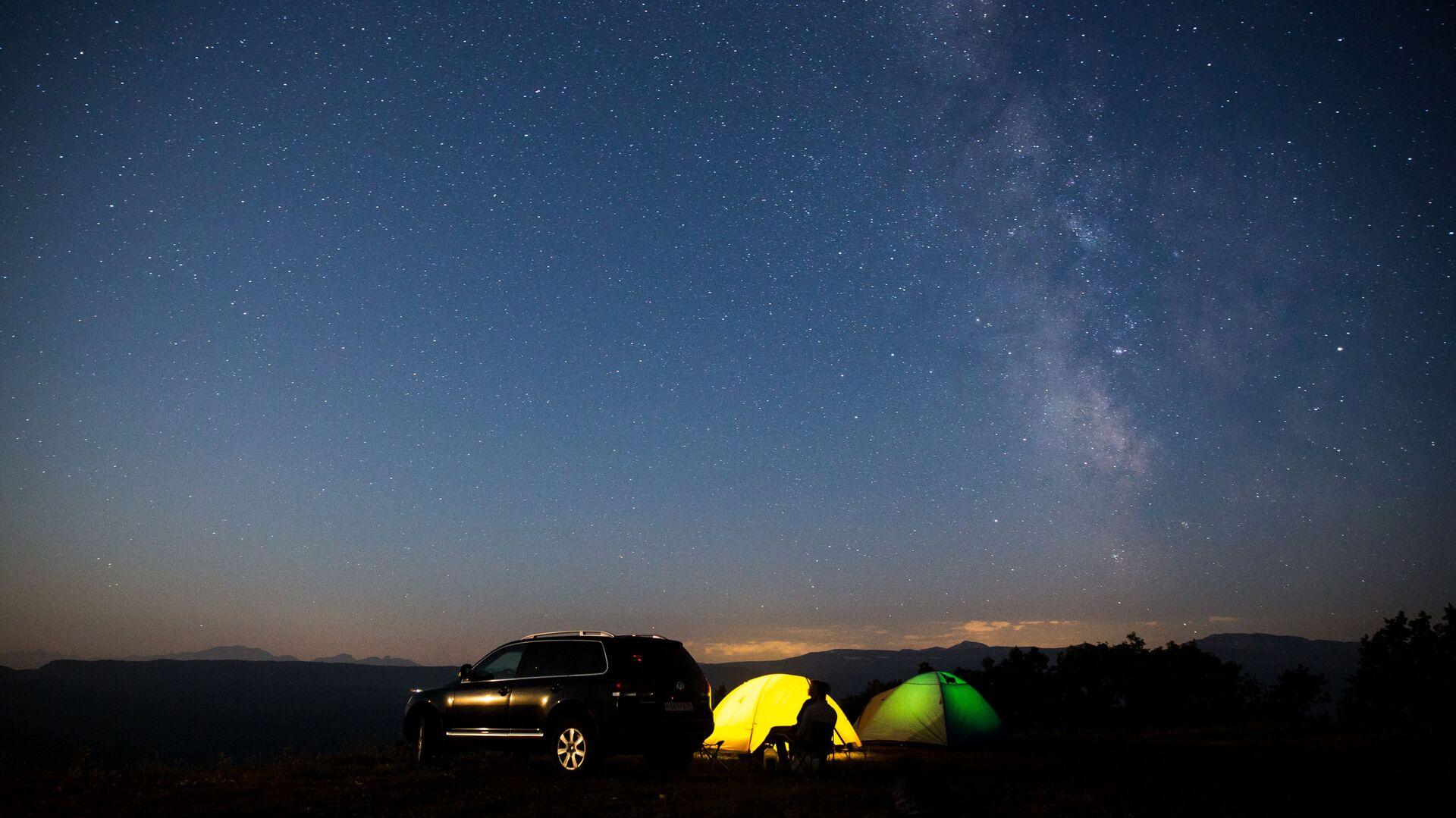Звездное небо, наблюдаемое в Краснодарском крае во время метеорного потока Персеиды - Sputnik Грузия, 1920, 09.09.2021