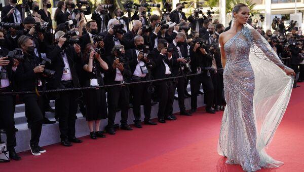 Каннский кинофестиваль - актриса и Мисс Франция 2018 Маэва Кук - Sputnik Грузия