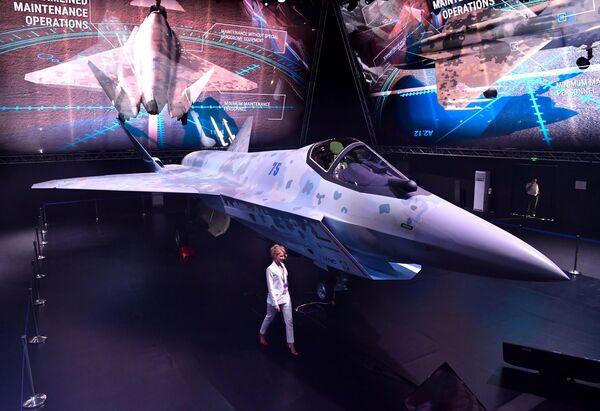 ახალი სამხედრო თვითმფრინავის Checkmate პრეზენტაცია - Sputnik საქართველო