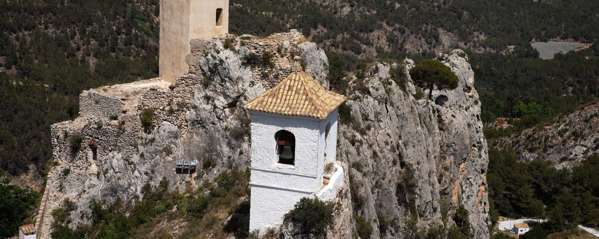 Замок Сан Хосе и крепость Алькосайба в Испании - Sputnik Грузия, 1920, 24.07.2021