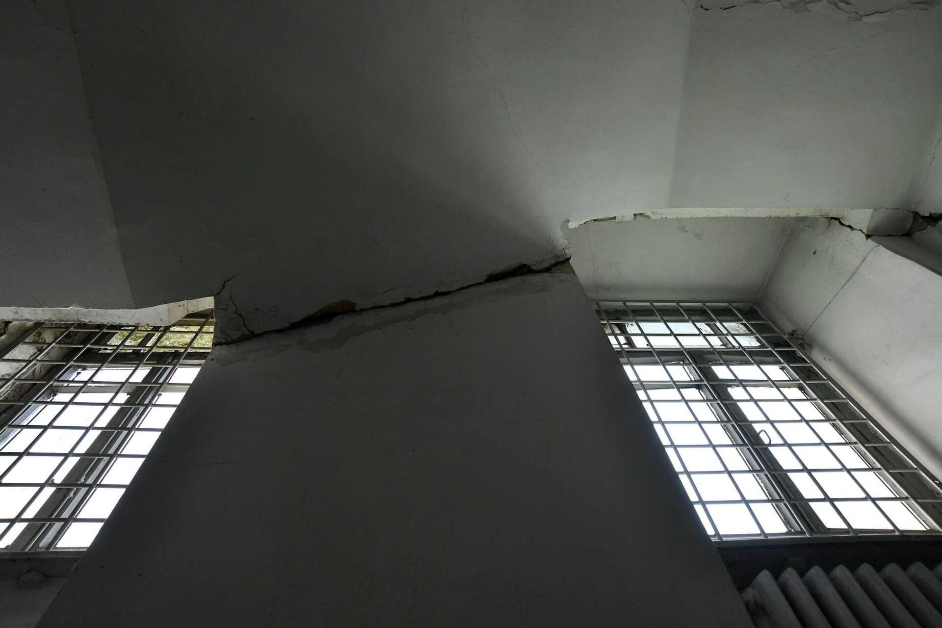 Здание продолжает оседать - Sputnik Грузия, 1920, 24.08.2021