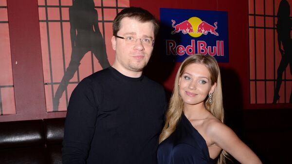 Актриса Кристина Асмус и актер Гарик Харламов - Sputnik Грузия