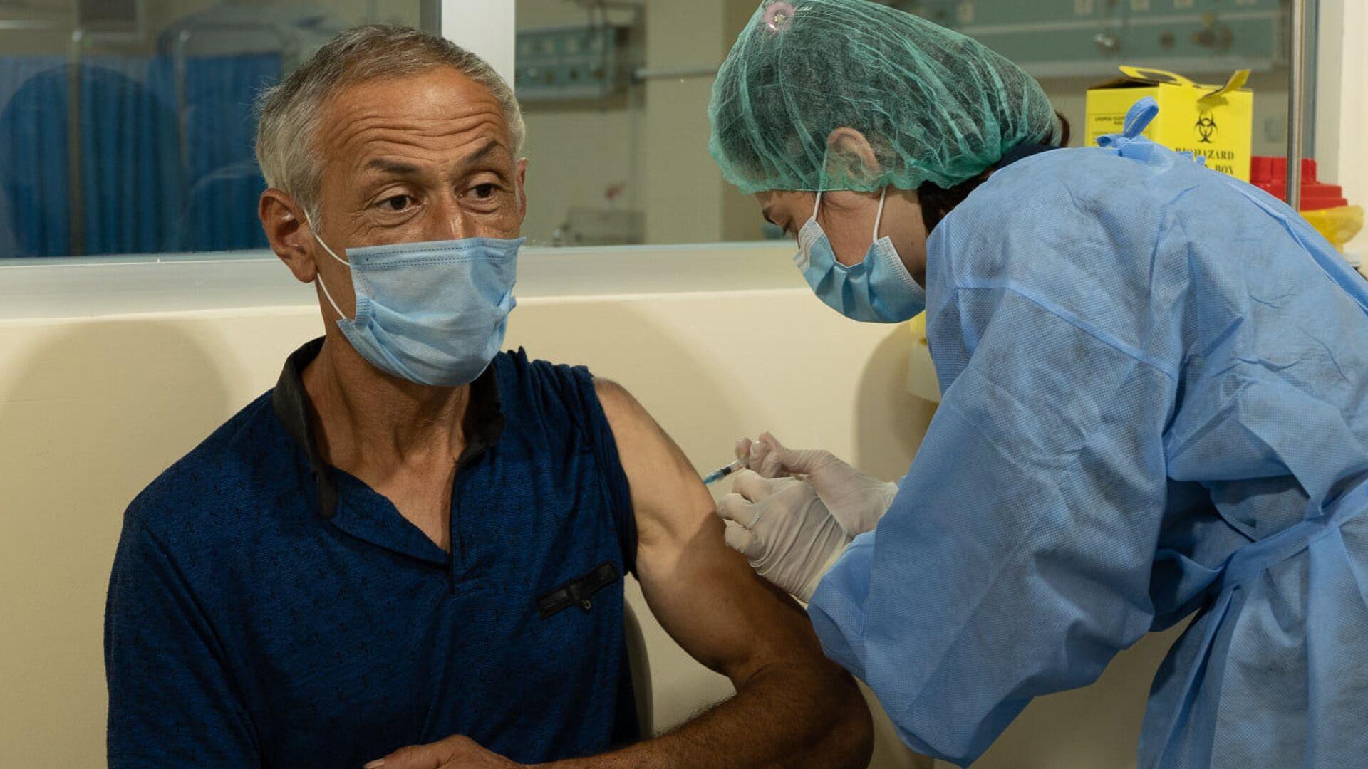 Эпидемия коронавируса - вакцинация пожилых людей и стариков в Аджарии  - Sputnik Грузия, 1920, 02.09.2021