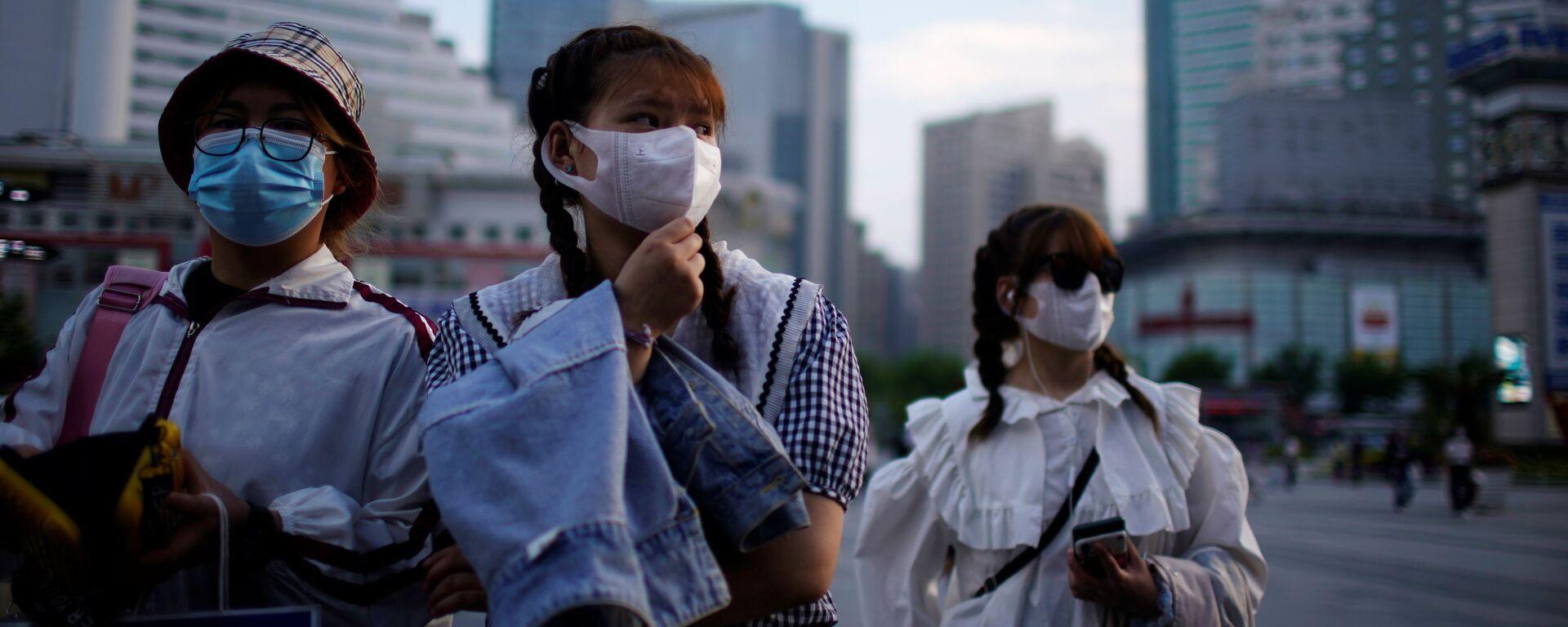 Пандемия коронавируса - жители Китая в масках - Sputnik Грузия, 1920, 29.08.2021