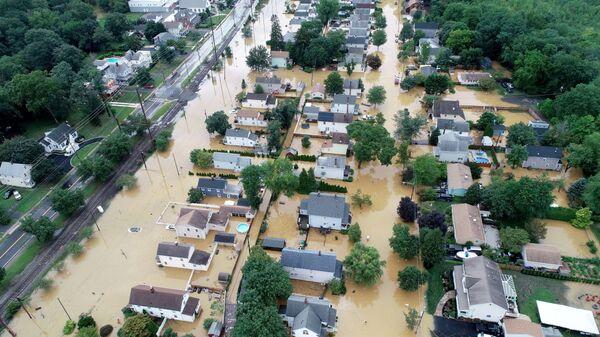 Последствия тропического шторма Генри в США - Sputnik Грузия