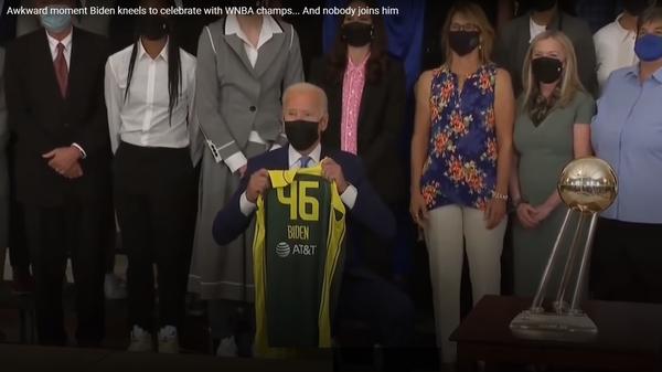 ბაიდენმა NBA-ს ქალი ჩემპიონების წინაშე დაიჩოქა - ვიდეო თეთრი სახლიდან - Sputnik საქართველო