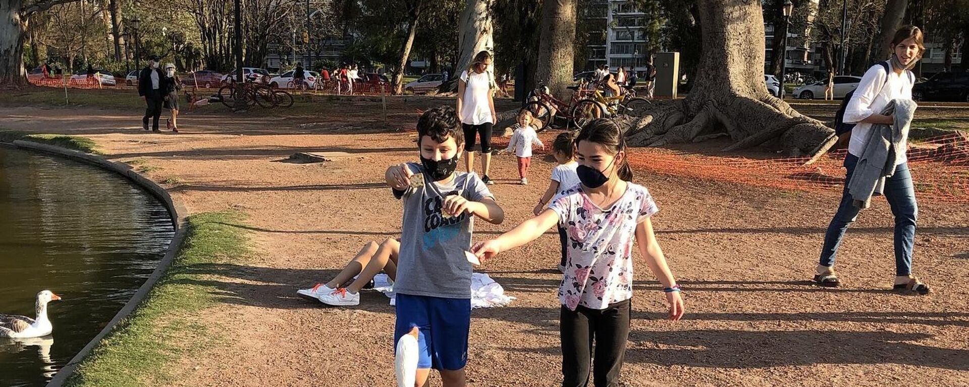 Пандемия коронавируса - дети в масках - Sputnik Грузия, 1920, 31.08.2021