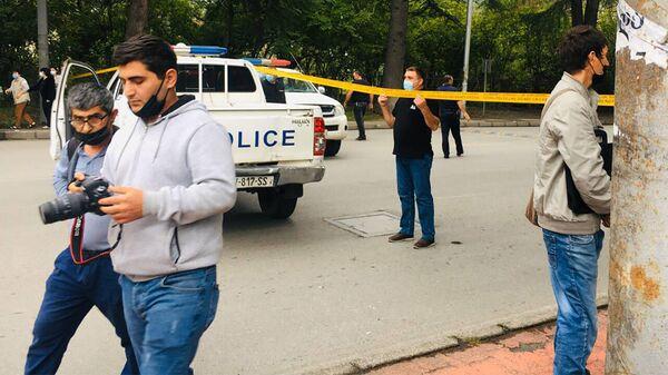 Полиция на месте нападения на филиал Банка Грузии в городе Кварели - Sputnik Грузия
