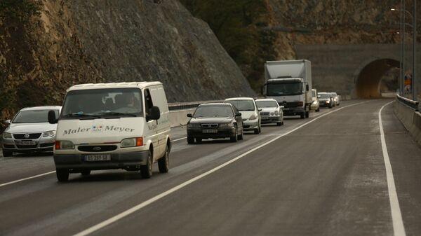 Открыт первый участок новой дороги через Рикотский перевал - Sputnik Грузия