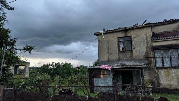 От сильного ветра и непогоды в эти дни пострадали и другие населенные пункты в Западной Грузии.  - Sputnik Грузия