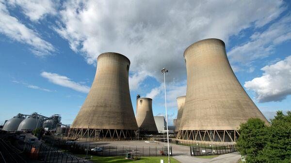 Угольная электростанция Drax в северной Англии - Sputnik Грузия