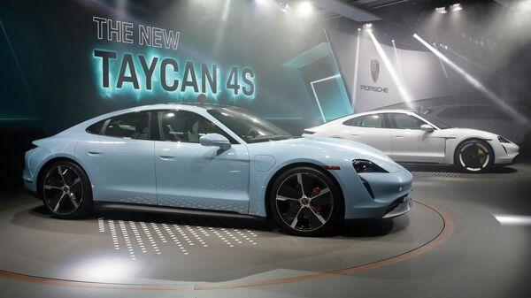 Презентация новой модели автомобиля Porsche Taycan - Sputnik Грузия