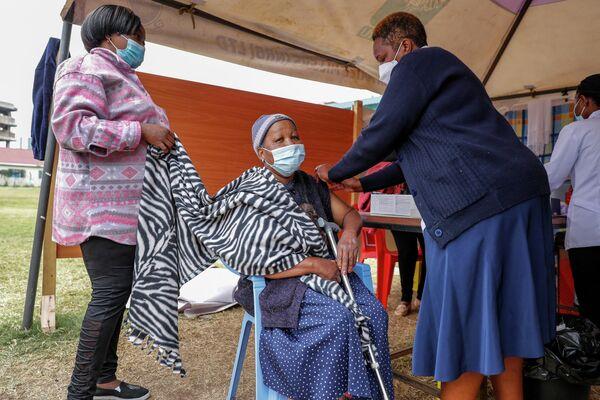 В Кении идет вакцинация, но очень медленными темпами. Вакцин не хватает.  - Sputnik Грузия