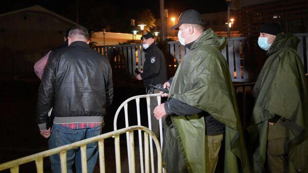 После ареста Саакашвили - ситуация у Руставской тюрьмы - видео - Sputnik Грузия