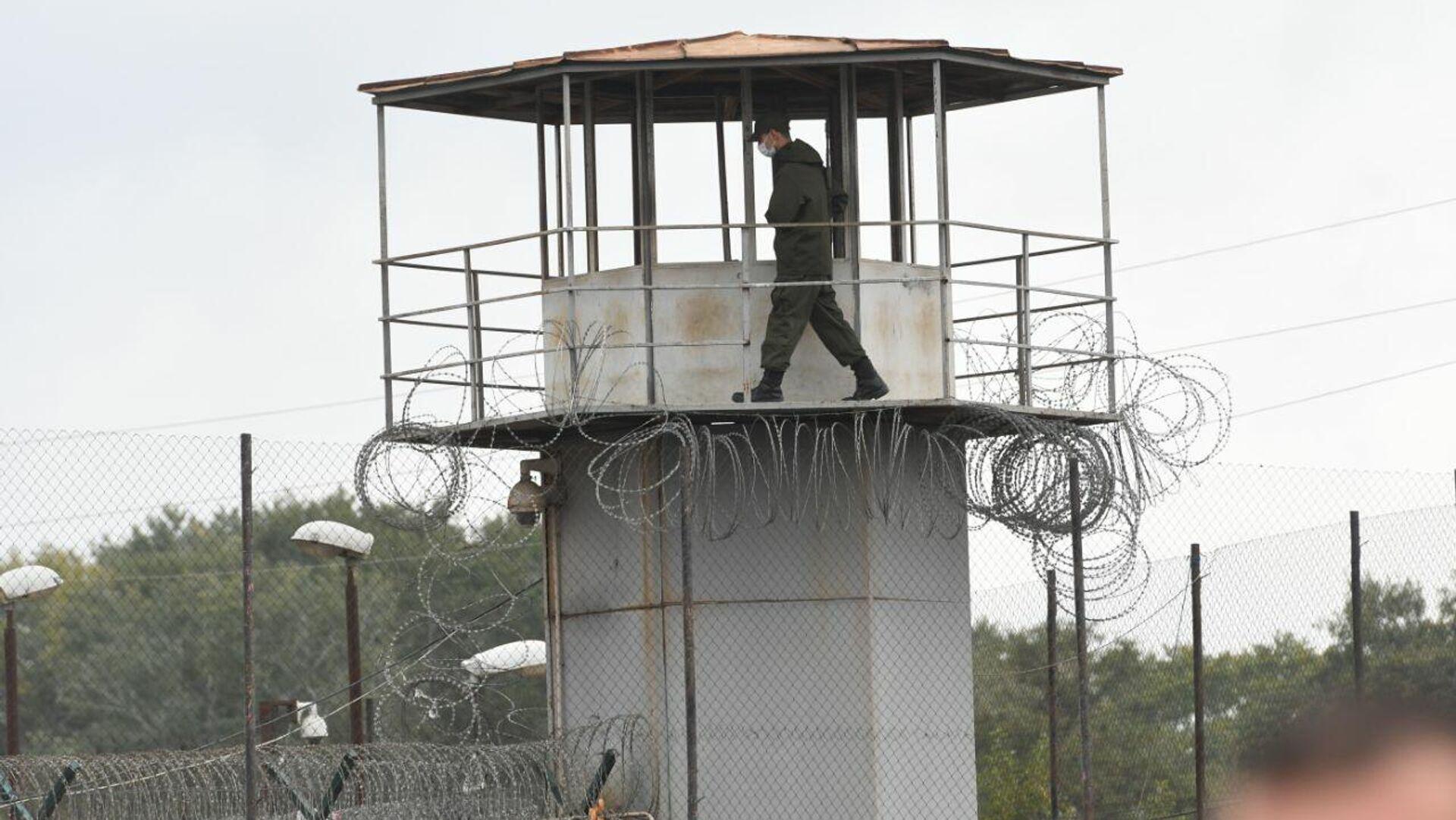 Руставская тюрьма. Вышка охраны  - Sputnik Грузия, 1920, 04.10.2021