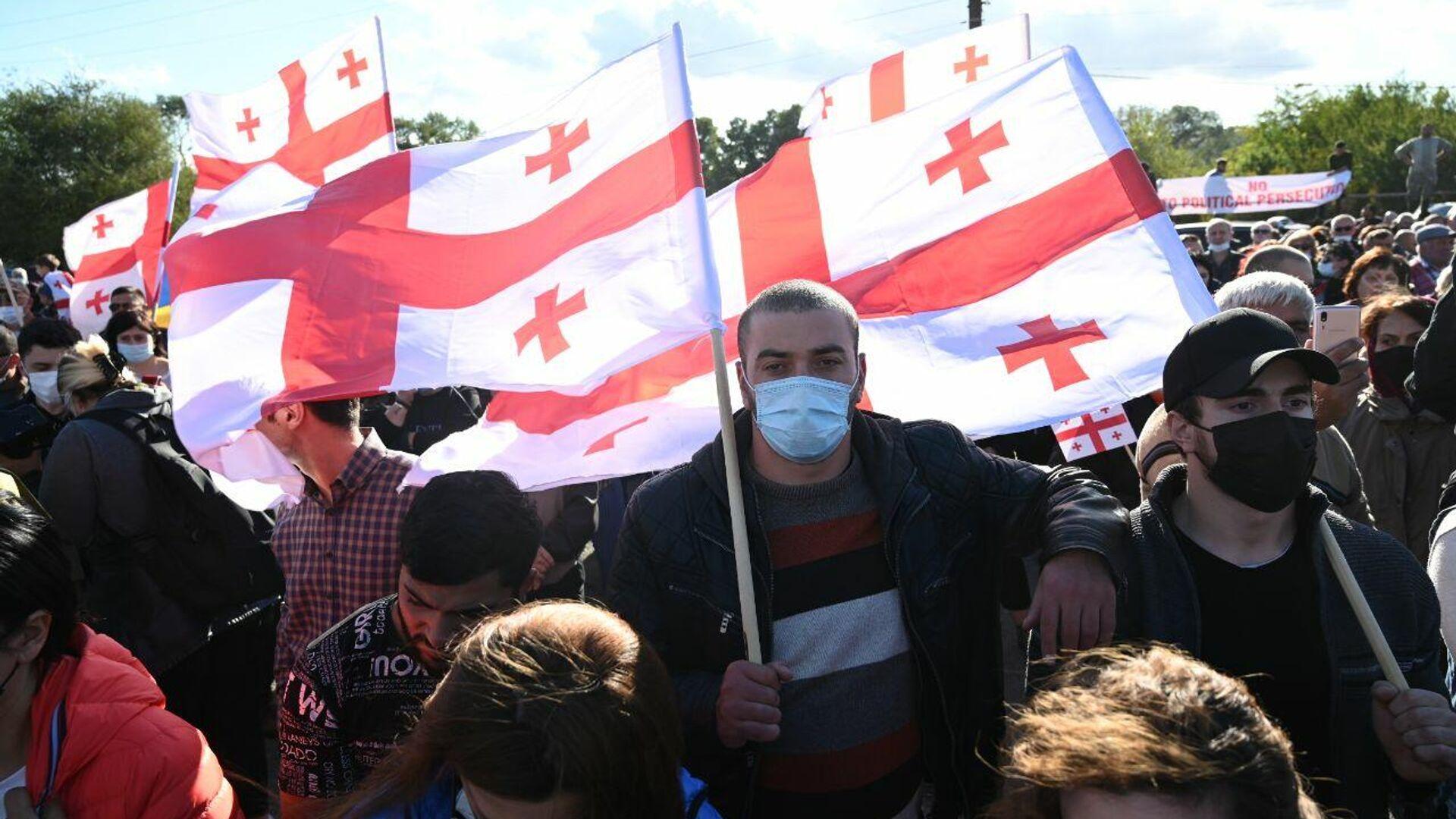 Акция протеста сторонников Саакашвили у Руставской тюрьмы 4 октября 2021 года - Sputnik Грузия, 1920, 05.10.2021