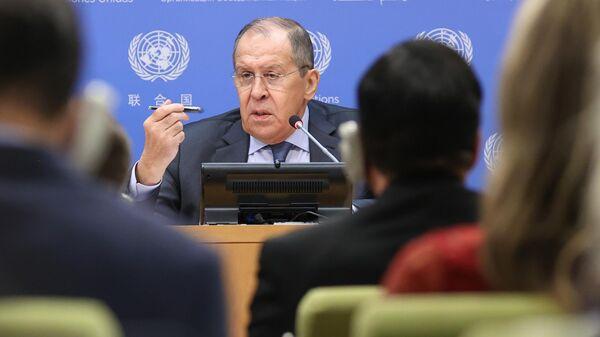 Министр иностранных дел РФ Сергей Лавров на пресс-конференции на Генеральной Ассамблее Организации объединенных наций (ООН) в Нью-Йорке.  - Sputnik Грузия