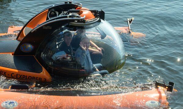 """Перед погружением в батискафе на дно Финского залива для осмотра подводной лодки Щ-308 """"Семга"""", затонувшей во время Великой Отечественной войны - Sputnik Грузия"""