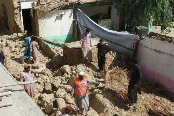 В результате землетрясения нанесен ущерб жилым домам - Sputnik Грузия