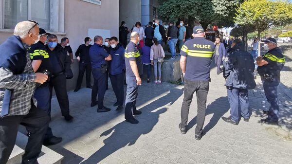Окружная избирательная комиссия в Самегрело, Зугдиди - Sputnik Грузия