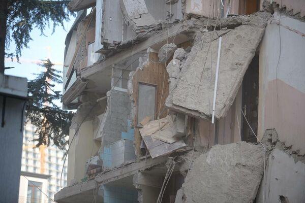 ნგრევას შესაძლოა მთელი შენობისათვის მიეყენებინა ზიანი, ამიტომ ახლა შენობის მდგომარეობას სპეციალისტები შეისწავლიან - Sputnik საქართველო