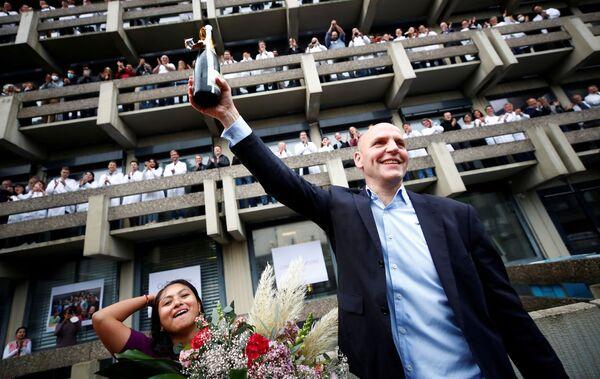Немецкий ученый Бенджамин Лист, который вместе с Дэвидом Макмилланом получил Нобелевскую премию 2021 года по химии за разработку асимметричного органокатализа - Sputnik Грузия