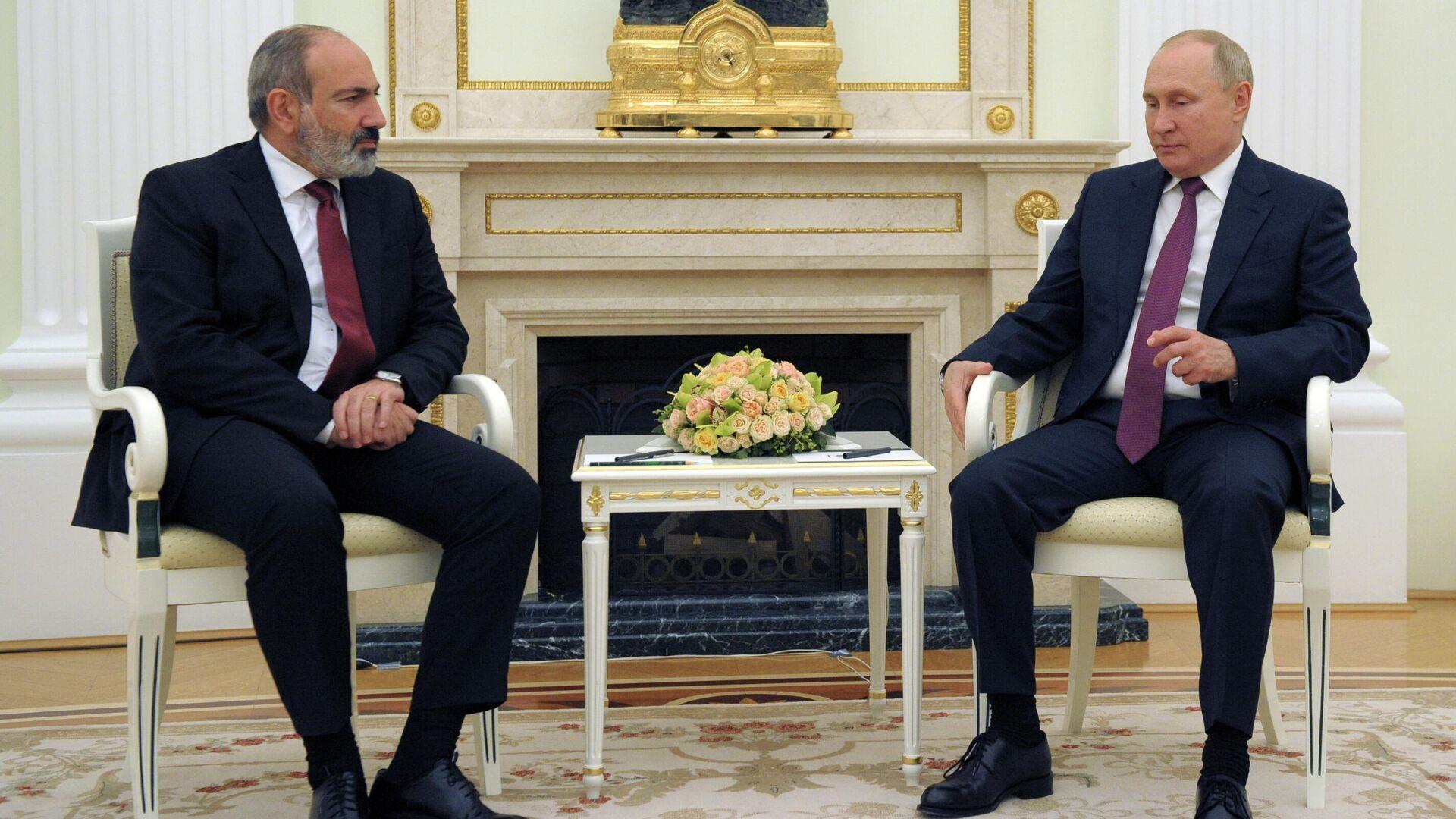 Встреча президента РФ В. Путина с премьер-министром Армении Н. Пашиняном - Sputnik Грузия, 1920, 13.10.2021