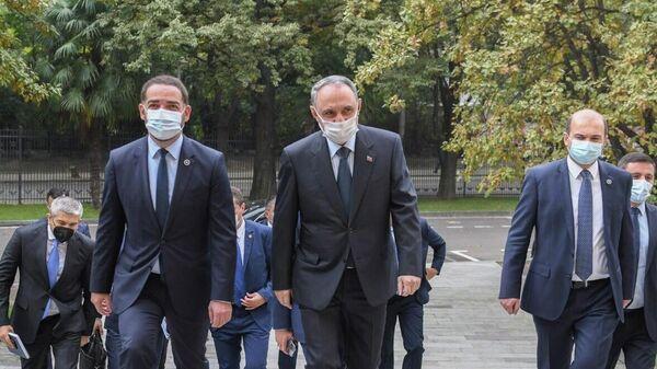 Генеральный прокурор Грузии Ираклий Шотадзе и его азербайджанский коллега Камран Алиев - Sputnik Грузия