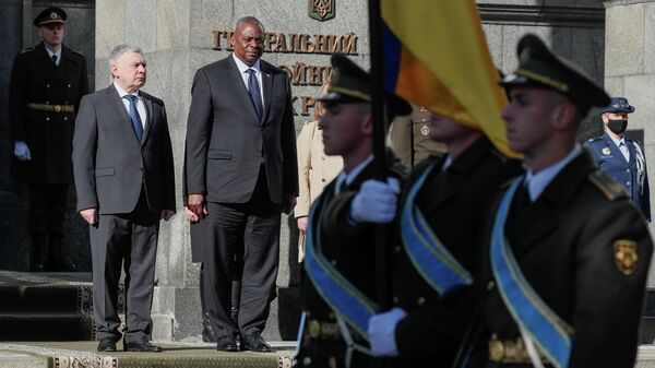 Министр обороны Украины Андрей Таран и министр обороны США Ллойд Остин в Киеве  - Sputnik Грузия