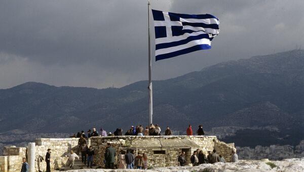 Греческий флаг на смотровой площадке Акрополя - Sputnik Грузия