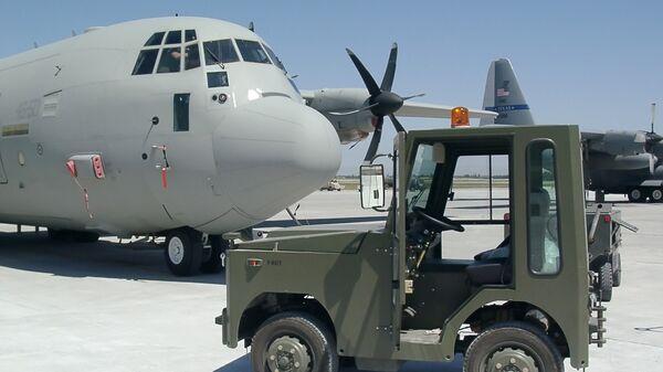 Военно-транспортный самолет C-130 - Sputnik Грузия