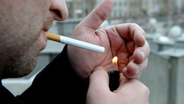 Курение в общественных местах - Sputnik Грузия