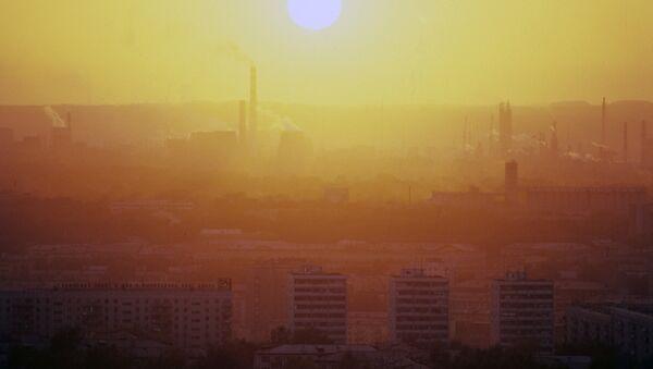 Смог над одним из городов в Кемеровской области - Sputnik Грузия