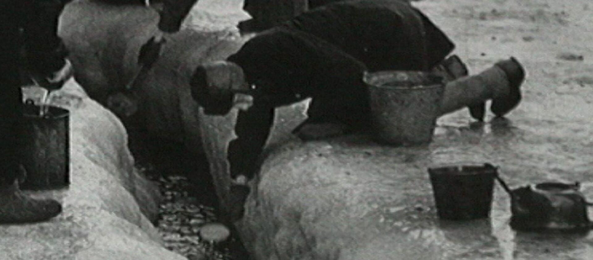 როგორ გადარჩა ქალაქი ნევაზე. ლენინგრადის ბლოკადა საარქივო კადრებში - Sputnik საქართველო, 1920, 22.06.2021