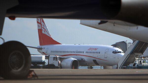 ქართული ავიაკომპანია Airzena - Georgian Airways-ის თვითმფრინავი - Sputnik საქართველო