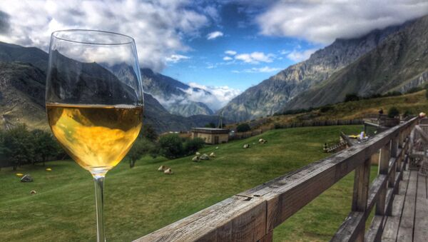 Грузинское вино и горы - Sputnik Грузия