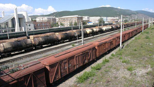 Грузовой железнодорожный состав, архивное фото - Sputnik Грузия
